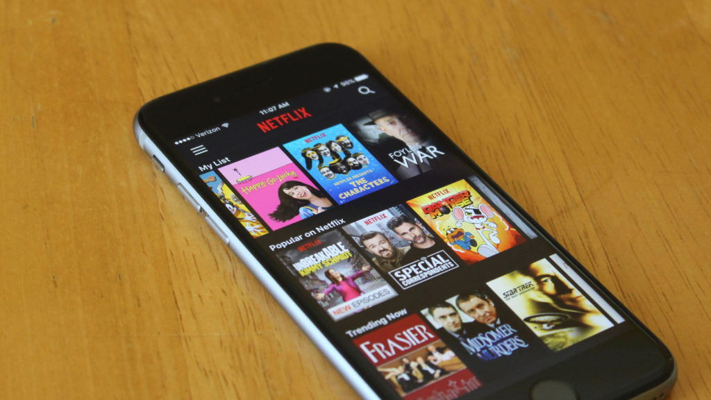 how to watch netflix on iPhone